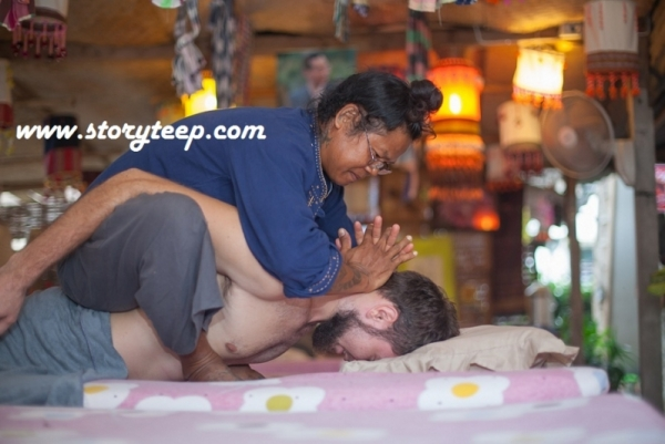 5 Аутентичный Тайский массаж  Authentic Thai massage www.storyteep.com