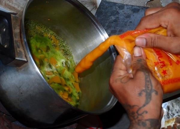 как приготовить, рецепт: тайский  Сладкий суп-десерт с тыквой и соком листьев Пандана