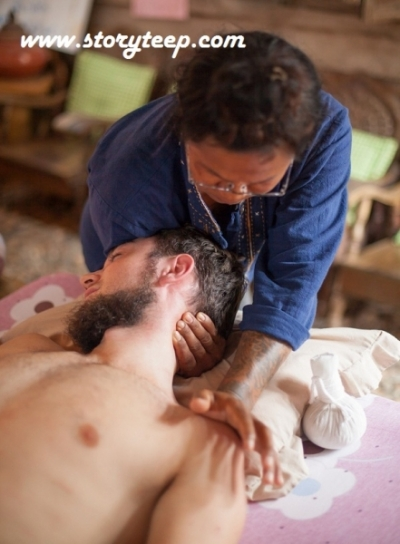 3 Аутентичный Тайский массаж  Authentic Thai massage www.storyteep.com